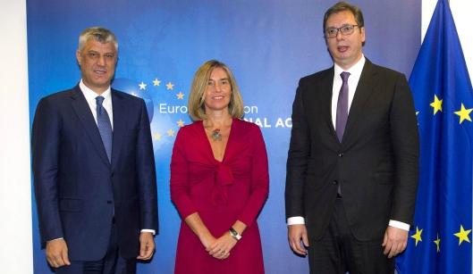 Vucicm Thaçi y Mogherini.