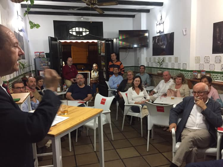 Los mandamientos de Napolitan, hilo conductor del primer 'Beers&Politics' de Cádiz